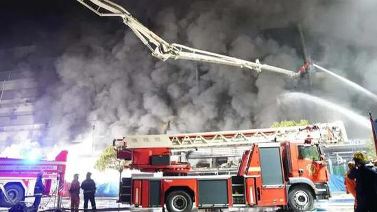 浙江开怀籍消防员在上海火灾救援中牺牲 系家中独子