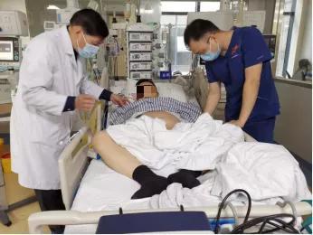 30岁白领一顿夜宵后ICU紧急抢救