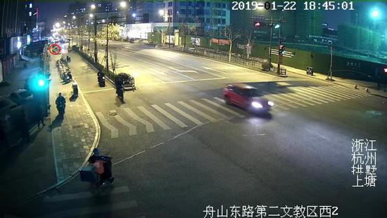 杭州警察破案神速 失主还没到派出所小偷已经到了