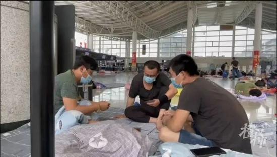 杭州萧山国际机场成避险点 为建筑工人提供安全保障