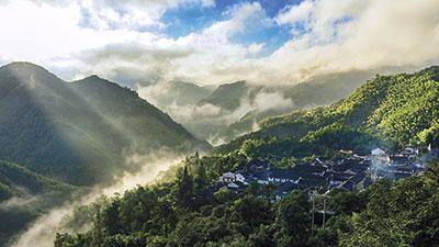 余姚柿林村的云雾。叶国斌摄