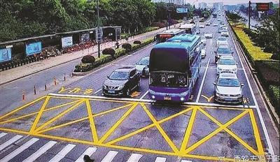 用礼让斑马线擦亮杭城文明 提升公共交通服务水平