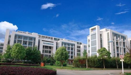 温州大学最牛考研宿舍:两个进中科院一个进浙大