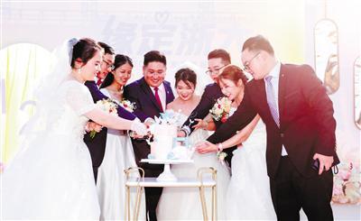 浙大123对新人共同举办婚礼 李兰娟院士现身送祝福