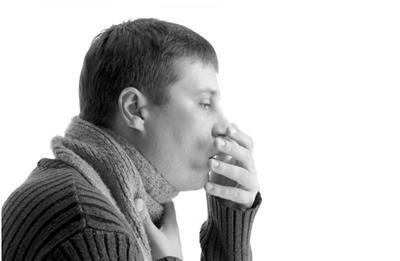 杭州34岁男子咳嗽一周不治疗 肺部破了个大洞