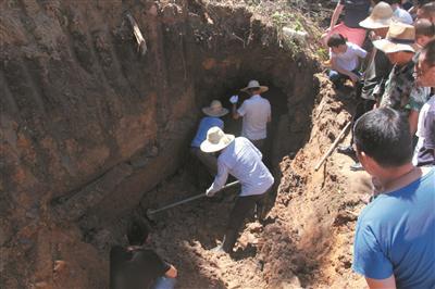 昨天的考古发掘现场 张海林 摄