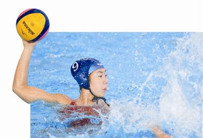 王欢在亚运会中国水球队和中国香港队的比赛中。新华社发