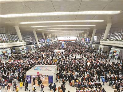 杭州东站 记者 李忠 摄