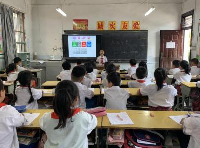 8岁垃圾分类小讲师开讲 一堂没有代沟的分类课