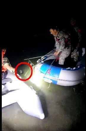 落水小伙被找到(视频截图)