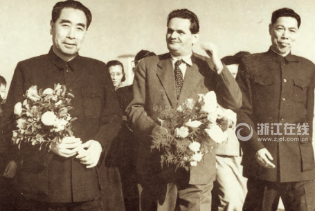 1957年3月,周恩来陪同捷克斯洛伐克政府总理西罗基访问杭州。