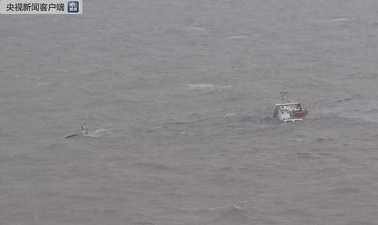 大浦江倾覆货船。 本文图片均来自 央视网