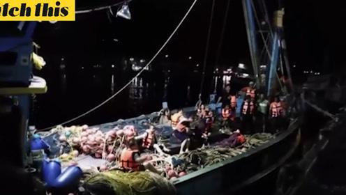 泰国普吉岛游客船只倾覆 一名中国男性游客确。。。