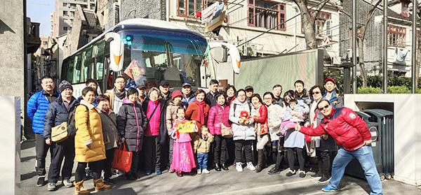 2019年2月4日,上海一个二十七口人的大家庭除夕出游。采访对象 供图