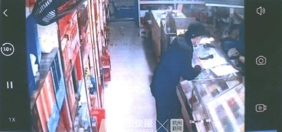 温州一男子已过世 银行卡却突然被他人盗刷21万多