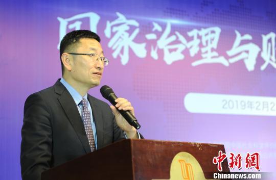 复旦大学校长助理、公共预算与绩效评价中心主任苟燕楠。 张茵 摄