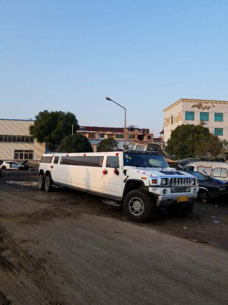 图为:林某驾驶的白色悍马大型越野客车 浙江省高速交警绍兴支队二大队供图