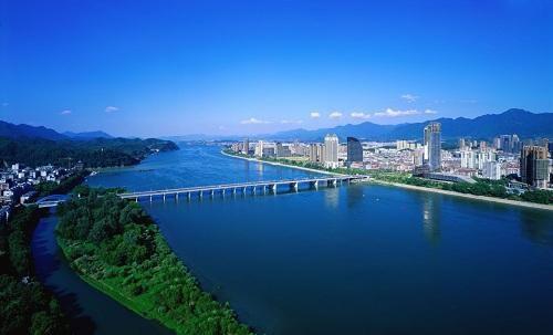 桐庐一江两岸美景