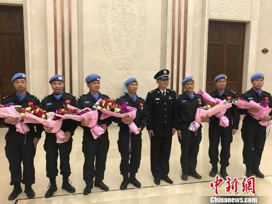 今年2月底,中国(浙江)第六支赴南苏丹维和警队凯旋。 张斌 摄