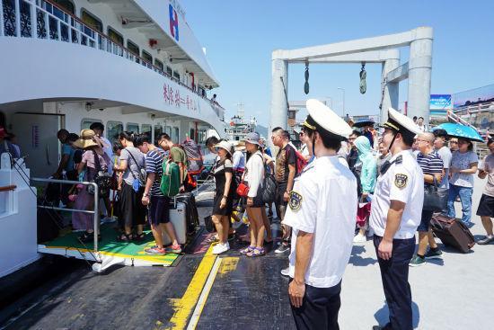 图为海事监管现场。 张长沙 摄