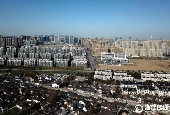 鸟瞰西兴古镇。
