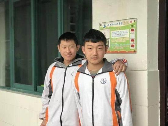 (左)缪林华,(右)郑俊怡
