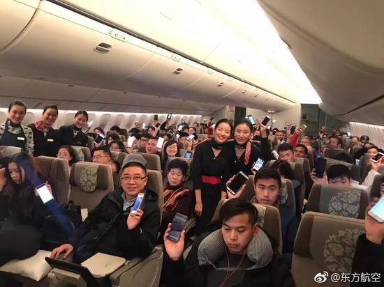 飞机上已可使用手机等电子设备 宠物机票也指日可待