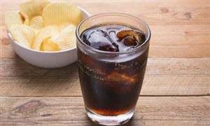杭州一男子患糖尿病还疯狂喝可乐 导致病变差点失明