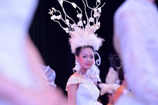 惊艳顶上功夫大比武——宁波市美发美容职业技能竞赛在浙江纺织服装职业技术学院举行