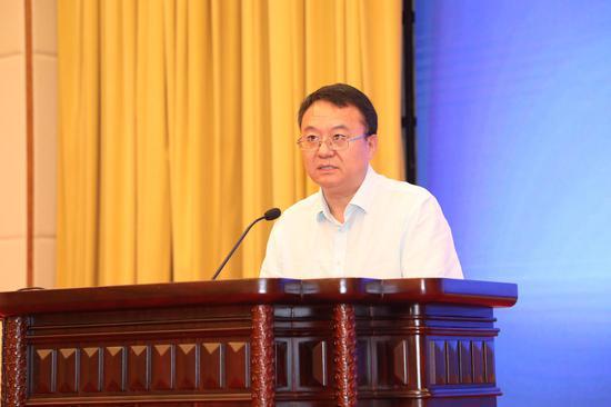 高等教育出版社副总编辑贾瑞武