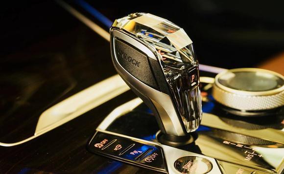 新款宝马X5实拍水晶档把提升奢华气质