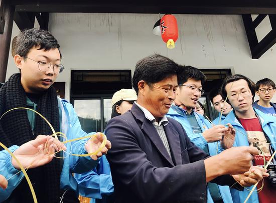 竹编球制作的观摩学习以及投放