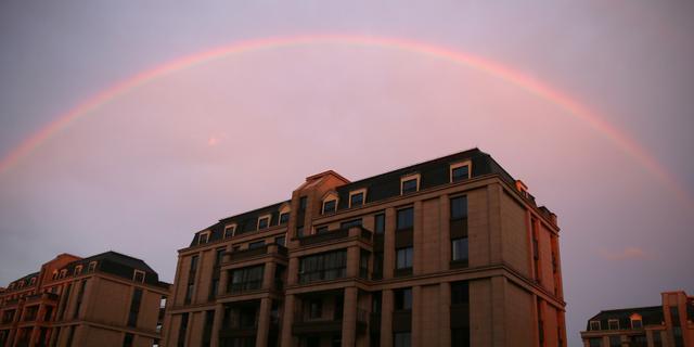 湖州安吉雨后现彩虹 天空格外绚丽