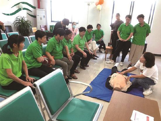 急救培训走进黄避岙乡养老院 为生命安全保驾护航