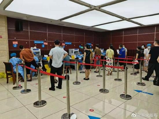 宁波奉化城区3个临时疫苗接种点开放夜间模式获成效