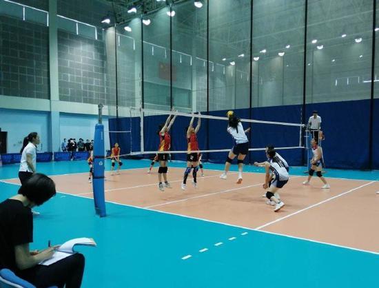 浙江青少年女子排球冠军赛在北仑女排训练基地开赛