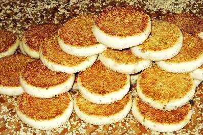半岛麒麟楼月饼