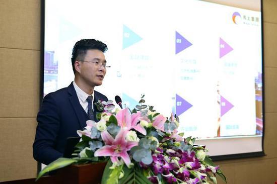 图4 马太集团董事长木亮光先生介绍马太快线的发展方向