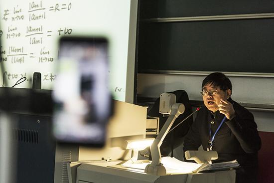 浙大教授玩起网络直播 高大上的微积分课火了(图)