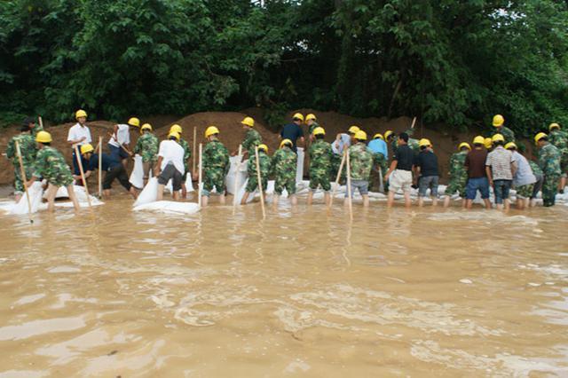 浙江暴雨汛情转移15万人 直接经济损失10.55亿元