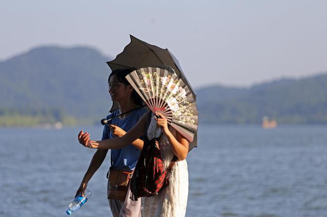 杭州昨最高温38.5℃创今年新高 高温+暴晒模式依旧