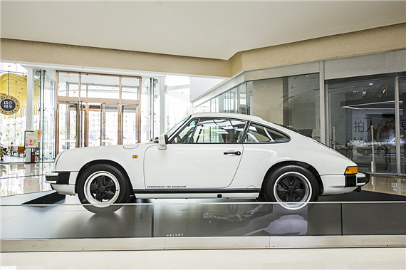 1989年保时捷911经典老爷车