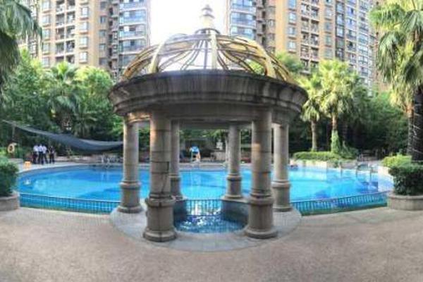 杭州一小区泳池漏电 10岁女孩触电溺水一度失去心跳
