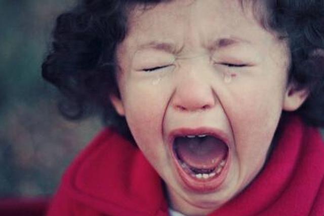 浙江17岁少年舌头上全是伤痕 专家:这是常见病