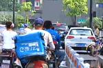 杭州饿了么骑手集体反映劳资问题 饿了么表态核查