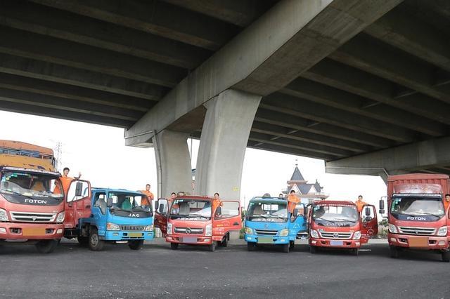 在杭一家六口都是货车司机 月入数万有车有房