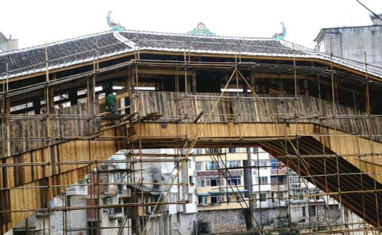 之前正在修复中的薛宅桥