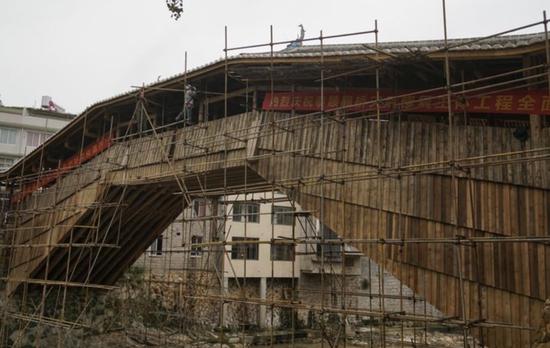 10月4日,泰顺薛宅桥的施工脚手架就要拆卸