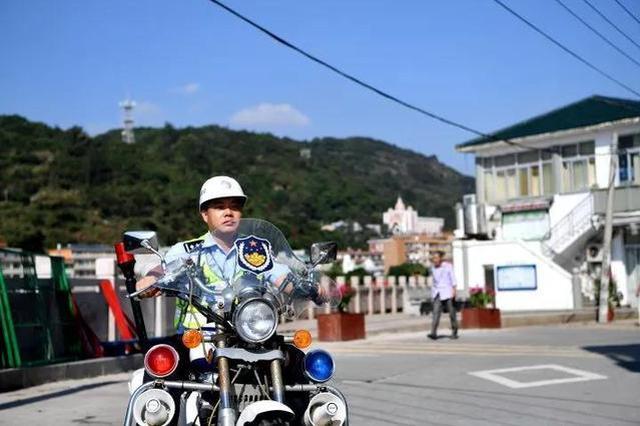 温州一岛只有一驻岛交警 没有红绿灯却能管好交通