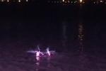 太危险 杭州有人夜里潜入钱塘江游泳